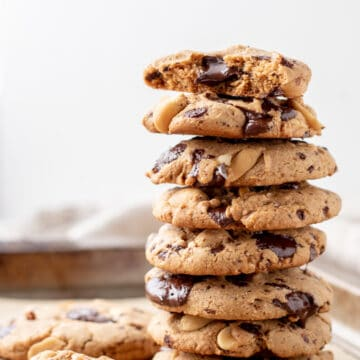 A stack of Spelt Cookies