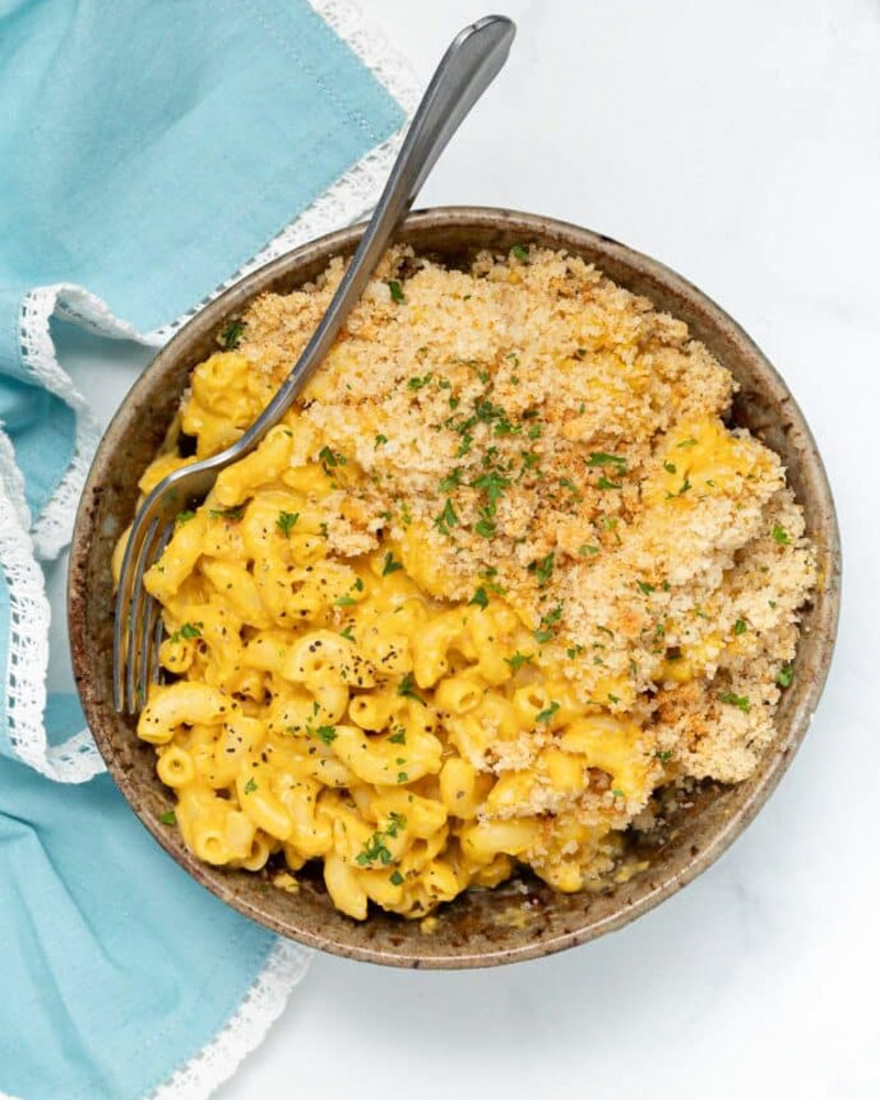 overhead view of a bowl of mac and cheese