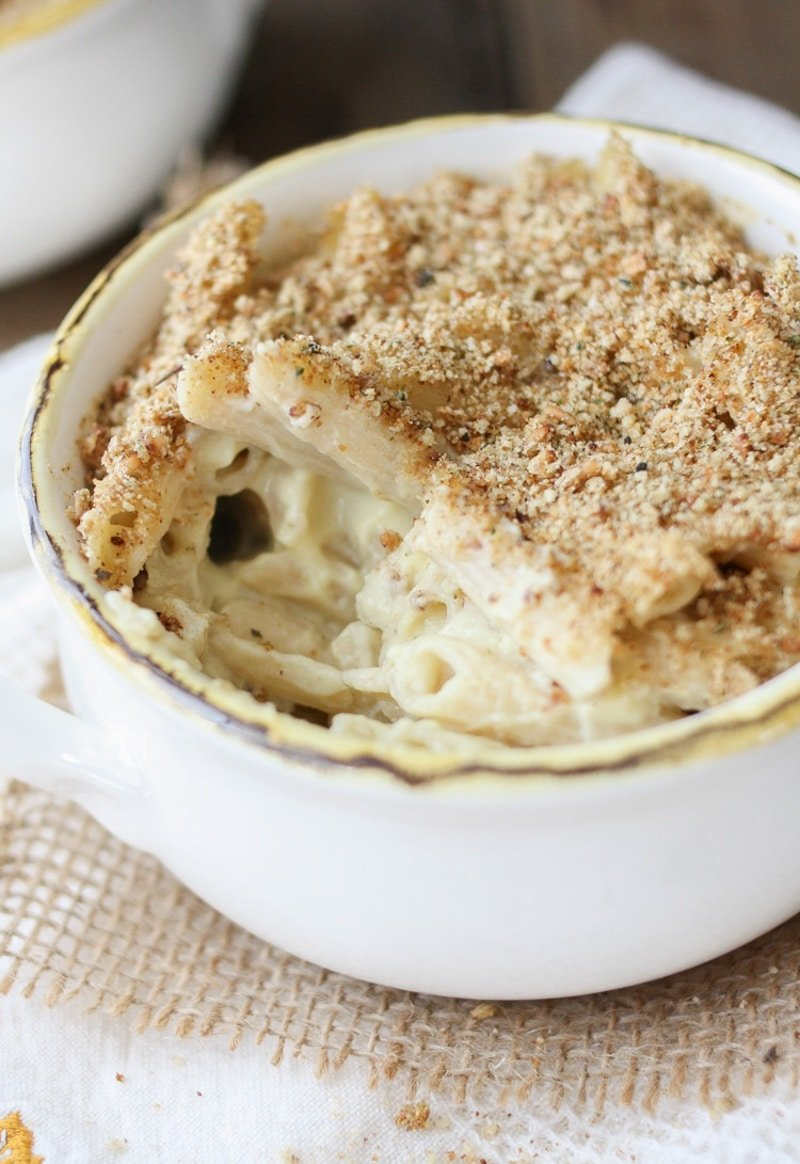 small baking dish with white saucy mac topped with crispy crumbs
