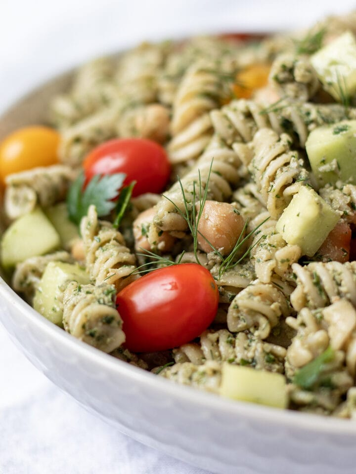 close up of pasta salad in serving bowl