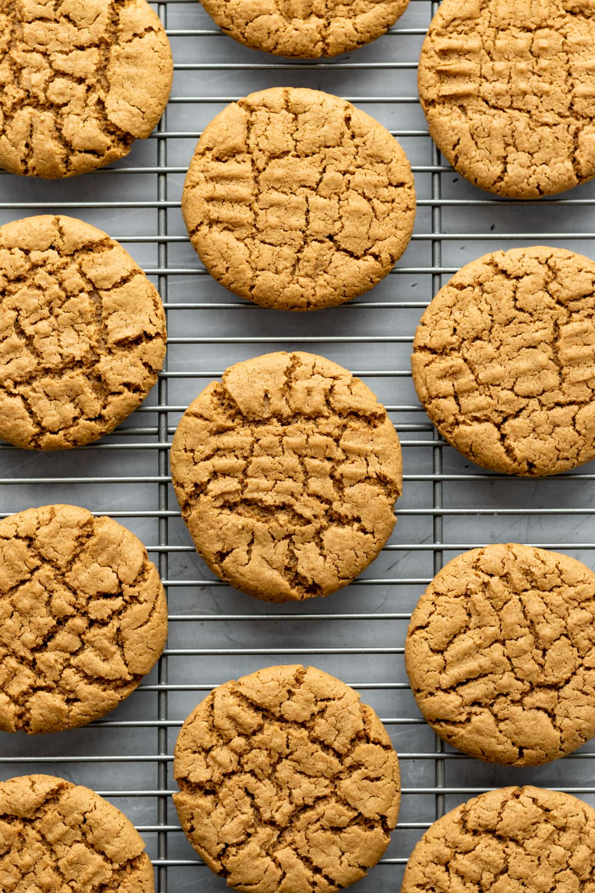 overhead view of cookies on a cooling rack