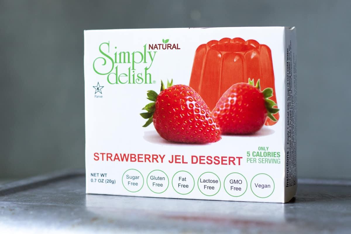 photo of box of Simply delish vegan jel dessert.